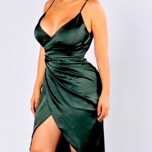 NWT Silkysatin sexy&gorgeous Fashionnova dress